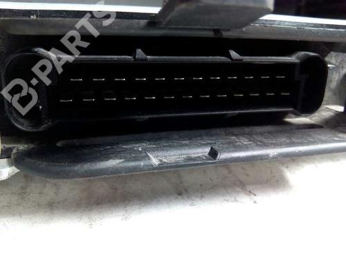 Centralina do motor BMW 5 (E39) 525 tds 0281001078 8415332
