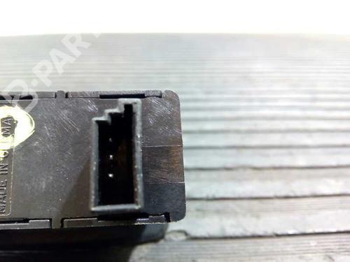 Comutador vidro trás direito BMW 1 (E87) 120 d 15979800063 | E3-A2-43-1 | 18218547
