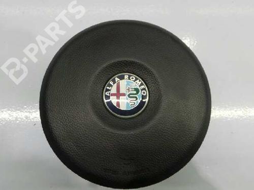 156061211 | E2-B2-4-1 | Airbag conducteur 159 Sportwagon (939_) 1.9 JTDM 16V (939BXC1B, 939BXC12) (150 hp) [2006-2011] 939 A2.000 1678644