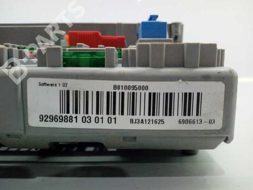 Caixa de fusíveis BMW 3 (E90) 320 i 92969881030101 | E1-A3-15-2 | 17855925
