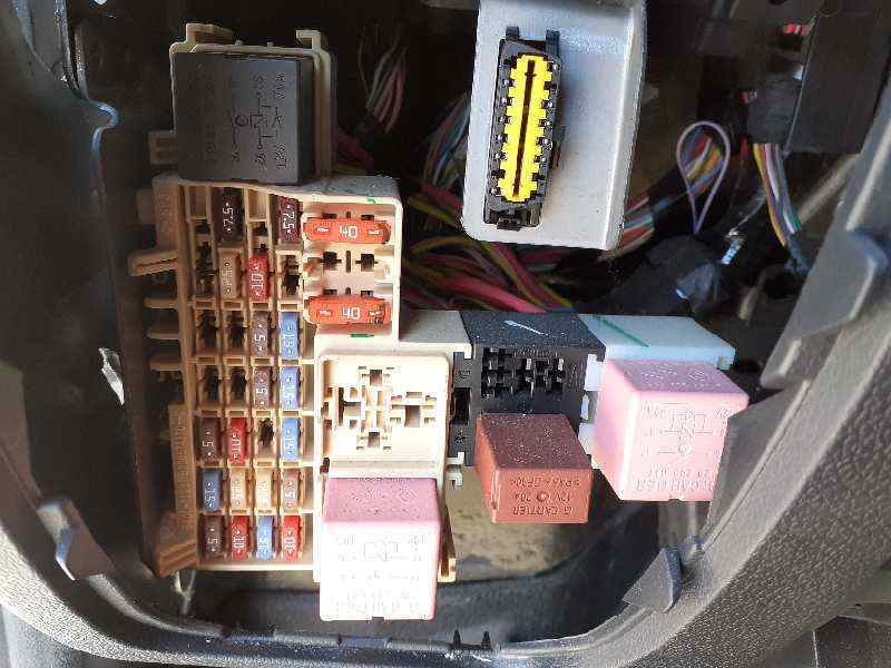 fuse box renault master iii van (fv) 2.3 dci 125 fwd (fv0c, fv0d, fv0g,  fv0h, fv0j, fv0k) 284b67653r | b-parts  b-parts
