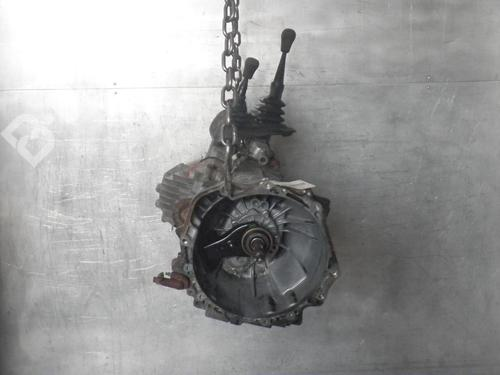 Manuell girkasse FRONTERA A (U92) 2.2 i (54MWL4) (136 hp) [1995-1998]  6374477