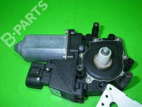 AUDI: 8D0959802B Vindusheismekanisme høyre foran A4 Avant (8D5, B5) 1.8 (125 hp) [1996-2001]  6606684
