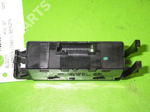 Switch BMW 3 (E46) 318 i BMW: 8381514 35209372