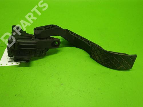 Pedal AUDI A6 Avant (4B5, C5) 2.5 TDI quattro AUDI: 8D1721523F 35243100