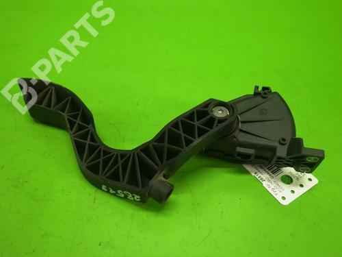 Pedal AUDI A6 Avant (4B5, C5) 2.5 TDI quattro AUDI: 8D1721523F 35243101