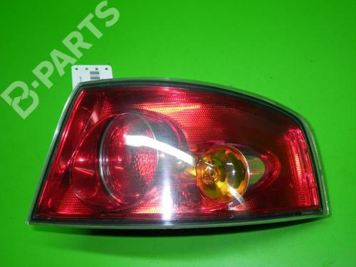 SEAT: 6L6945112B Feu arrière droite IBIZA III (6L1) 1.2 (64 hp) [2002-2006]  6607294