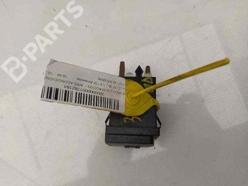 AC-Styringsenhed/Manøvreenhed AUDI A3 (8L1) 1.9 TDI 8L0963563A | 34546570
