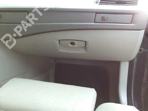 Porta-luvas BMW 5 (E60) 530 d 51167034080 | 24394629