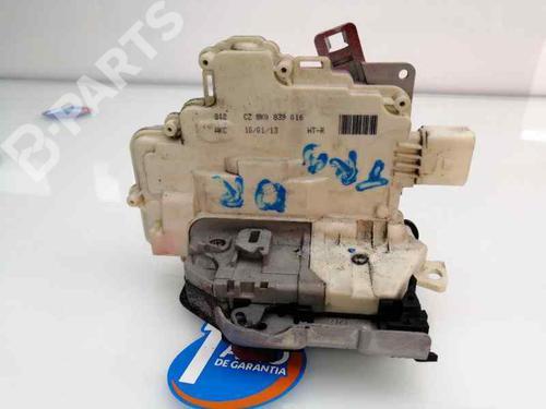 Høyre bak lås AUDI Q3 (8UB, 8UG) 2.0 TDI 8K0839016 | 31328430