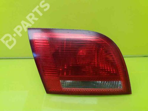 8P4945093B | Venstre Baklys A3 Sportback (8PA) 2.0 TDI 16V (140 hp) [2004-2013] BKD 3262173