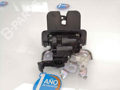 Bakluke lås AUDI Q3 (8UB, 8UG) 2.0 TDI 8R0827505 | 30932257