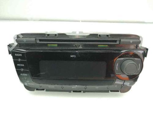 Autoradio SEAT LEON (1P1) 1.9 TDI 1P0035153 | 30192415