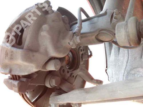 Høyre Styrespindel lagerhus AUDI Q3 (8UB, 8UG) 2.0 TDI 1K0407256AA | 27480341