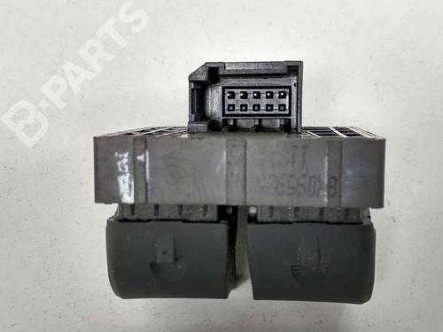 Pulsantiera anteriore sinistra AUDI A1 (8X1, 8XK) 1.4 TFSI 8X0959851A   40048156